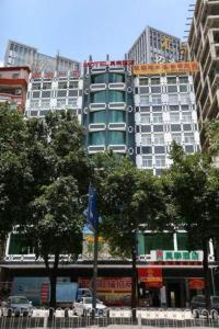 Motel Shenzhen Longhua Metro Station