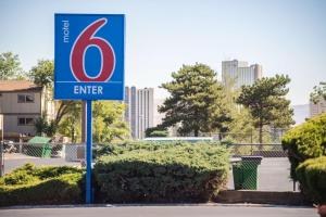 Motel 6 Reno West, Отели  Рено - big - 42