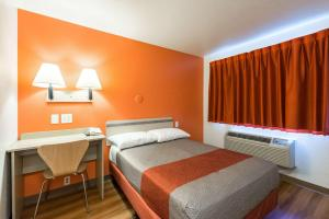 Motel 6 Reno West, Отели  Рено - big - 11