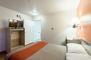 Motel 6 Reno West, Hotel  Reno - big - 12