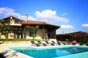 Heaven Hills Villa