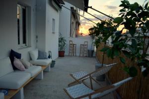 Matrozou Street Apartment with Spacious Terrace, Ferienwohnungen  Athen - big - 1