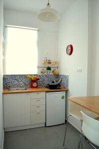 Matrozou Street Apartment with Spacious Terrace, Ferienwohnungen  Athen - big - 6