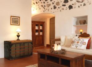 AFOURA HOUSES by K&K(Pyrgos)