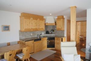 Chesa Striun Bucher, Apartments  Pontresina - big - 14
