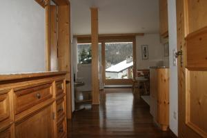 Chesa Striun Bucher, Apartments  Pontresina - big - 3