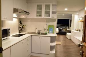 Sandy Beach Condo 15E, Appartamenti  Petchaburi - big - 48