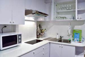 Sandy Beach Condo 15E, Appartamenti  Petchaburi - big - 42