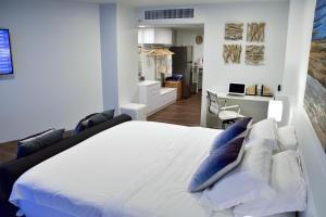 Sandy Beach Condo 15E, Appartamenti  Petchaburi - big - 32