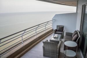 Sandy Beach Condo 15E, Appartamenti  Petchaburi - big - 21