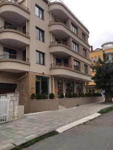 Ganevi Apartments