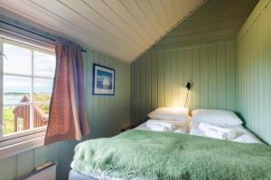 Håholmen Havstuer, Hotels  Karvåg - big - 2