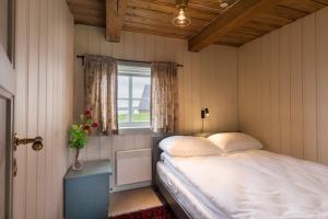 Håholmen Havstuer, Hotels  Karvåg - big - 3