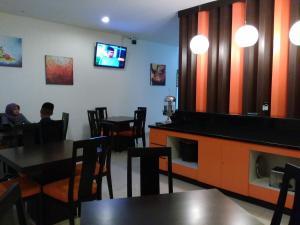 Hotel Alpha Makassar, Hotely  Makassar - big - 13