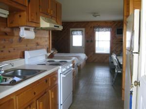 Virginia Landing Camping Resort Cabin 14, Ferienparks  Quinby - big - 12