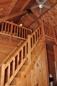 Tranquil Timbers Deluxe Cabin 5, Holiday parks  Sturgeon Bay - big - 22