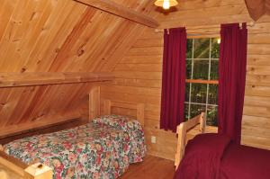 Tranquil Timbers Deluxe Cabin 5, Holiday parks  Sturgeon Bay - big - 21