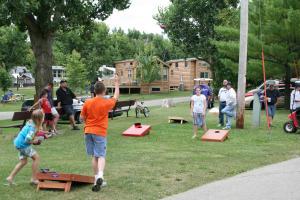 Lakeland RV Campground Loft Cabin 1, Holiday parks  Edgerton - big - 6