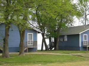 Virginia Landing Camping Resort Cabin 12, Holiday parks  Quinby - big - 1