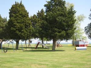 Virginia Landing Camping Resort Cabin 12, Holiday parks  Quinby - big - 8