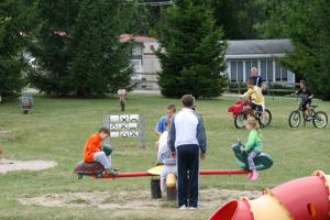 Lakeland RV Campground Loft Cabin 7, Ferienparks  Edgerton - big - 6
