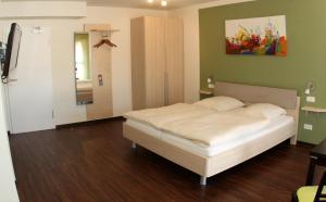 Hotel Landgasthof Kramer, Hotely  Eichenzell - big - 9