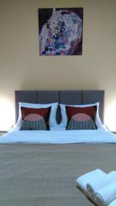 2 bedroom Apartment on Belorusskaya