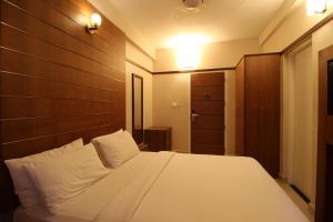 Srivar Hotels, Отели  Guruvāyūr - big - 5
