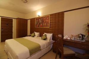 Srivar Hotels, Отели  Guruvāyūr - big - 2
