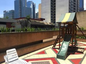 Short Term Rentals Makati Parkplace, Apartmány  Manila - big - 7