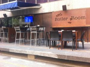 Short Term Rentals Makati Parkplace, Apartmány  Manila - big - 41