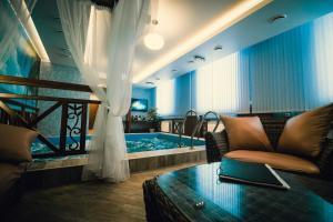 Green Hall Hotel, Szállodák  Kamenszk-Uralszkij - big - 12