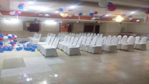 Vaishnavi Group Of Hotels, Отели  Хайдарабад - big - 9