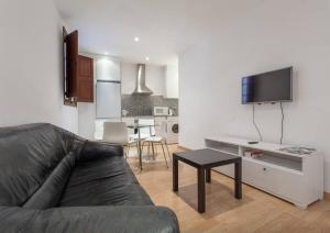 Apartment Mercadal 2-4