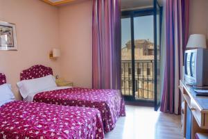 Hotel Tibur, Hotel  Saragozza - big - 27