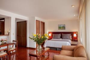 Cora 96 Street Suites