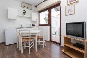 Beach Apartments Center, Apartmanok  Crikvenica - big - 33