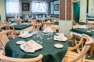 Hotel Tibur, Hotel  Saragozza - big - 70