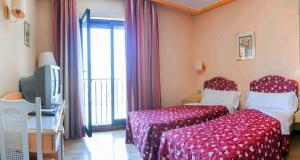 Hotel Tibur, Hotel  Saragozza - big - 16