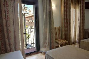 Hotel Tibur, Hotel  Saragozza - big - 15