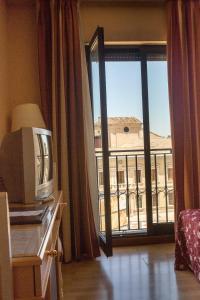 Hotel Tibur, Hotel  Saragozza - big - 66
