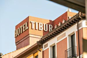 Hotel Tibur, Hotel  Saragozza - big - 48