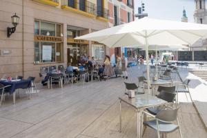 Hotel Tibur, Hotel  Saragozza - big - 84