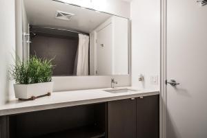 QuickStay - Luxury Executive in Yorkville (Yonge & Bloor), Apartmány  Toronto - big - 43