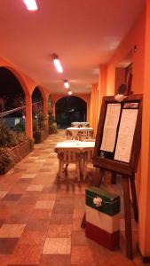 Hotel Azzurra, Szállodák  Spinone Al Lago - big - 41