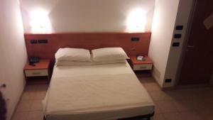 Hotel Azzurra, Szállodák  Spinone Al Lago - big - 7