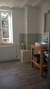 Chambres d'hôtes Le Cartounier, Bed & Breakfast  Pinel-Hauterive - big - 13