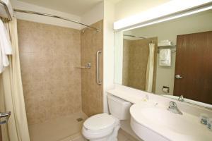 Microtel Inn and Suites by Wyndham Juarez, Hotel  Ciudad Juárez - big - 2