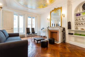 Luxury 3 bedrooms- Paris / Champs Élysée