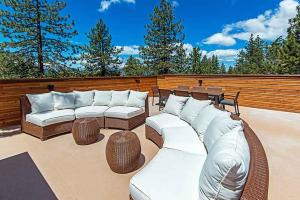 7 Bedroom/6.5 Bath 5700 Sq Ft Vacation Rental, Case vacanze  South Lake Tahoe - big - 42